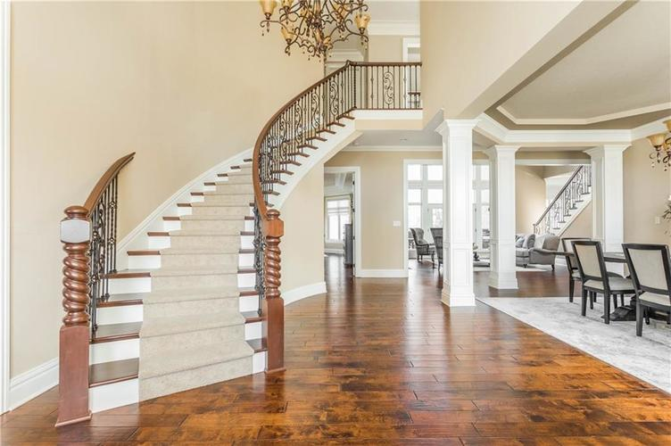 11621 Willow Springs Drive Zionsville, IN 46077   MLS 21695393   photo 6