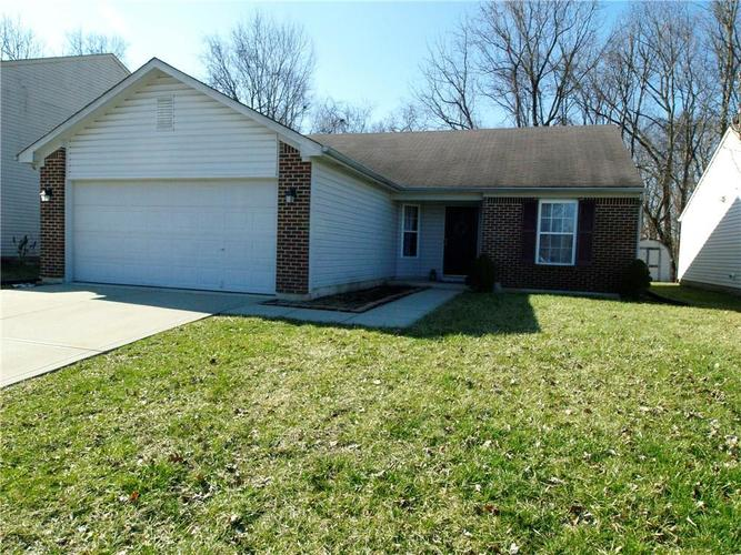 5822 Rolling Bluff Lane Indianapolis IN 46221 | MLS 21695444 | photo 1