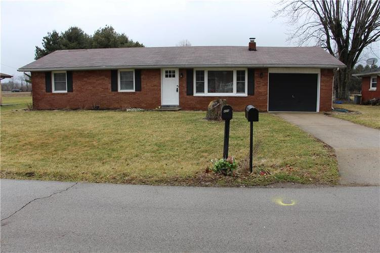 402 Suburban Drive Anderson, IN 46017 | MLS 21695453 | photo 1