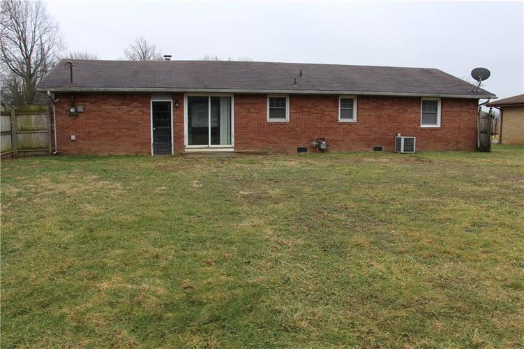 402 Suburban Drive Anderson, IN 46017 | MLS 21695453 | photo 17