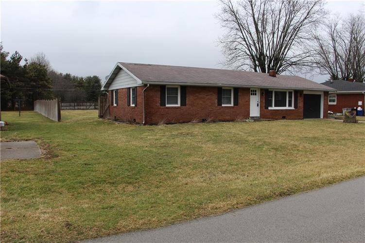 402 Suburban Drive Anderson, IN 46017 | MLS 21695453 | photo 19
