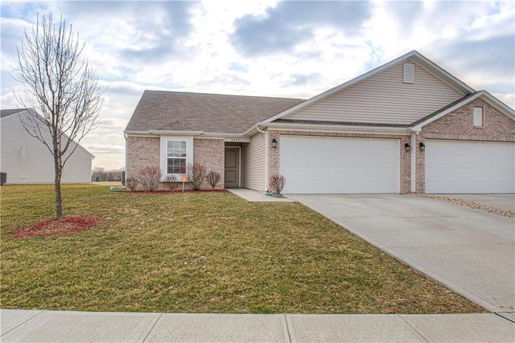 6413 Emerald Springs Drive Indianapolis, In 46221 | MLS 21695539 | photo 1