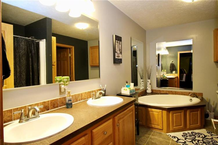 655 E Overpeck Road Mooresville, IN 46158   MLS 21695540   photo 16