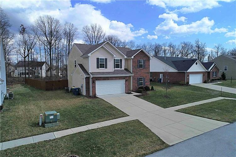 6485 Finch Drive Indianapolis IN 46236 | MLS 21695555 | photo 1
