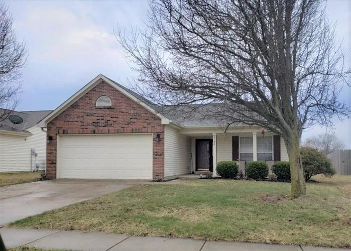 2120 Turning Leaf Drive Franklin, IN 46131   MLS 21695617   photo 1
