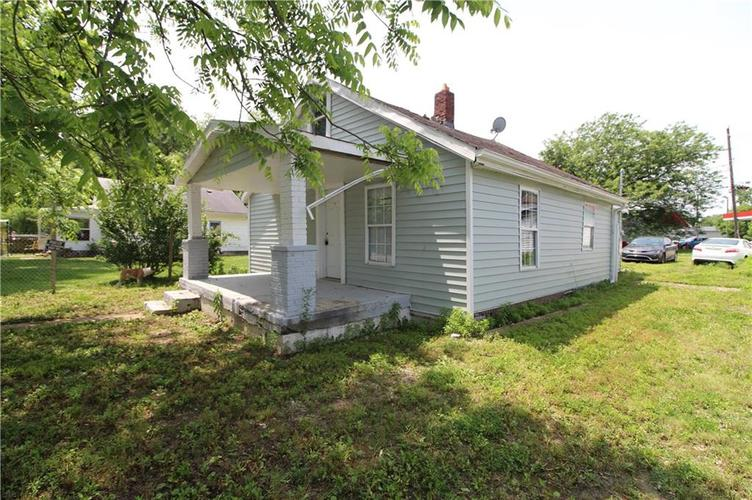 3156 Collier Street Indianapolis IN 46221 | MLS 21695626 | photo 3