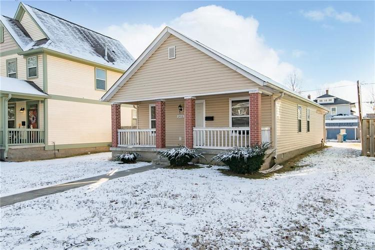 2416 N New Jersey Street Indianapolis IN 46205 | MLS 21695627 | photo 2