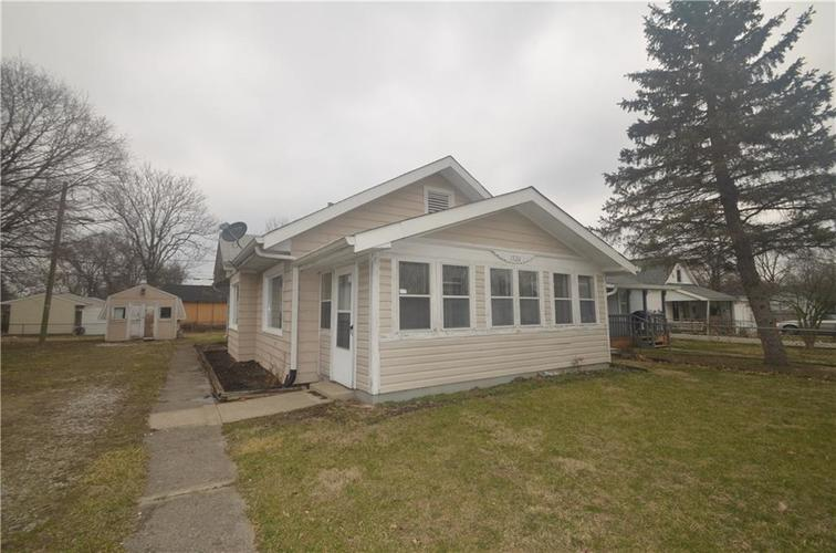 1526 E Perry Street Indianapolis, IN 46227   MLS 21695639   photo 1