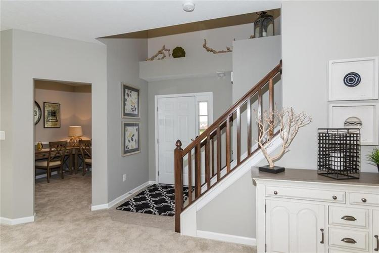 12117 Country Side Drive Indianapolis, IN 46229 | MLS 21695789 | photo 3