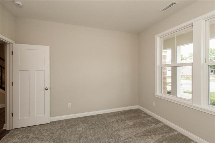 5844 Lyster Lane Indianapolis IN 46259 | MLS 21695867 | photo 16