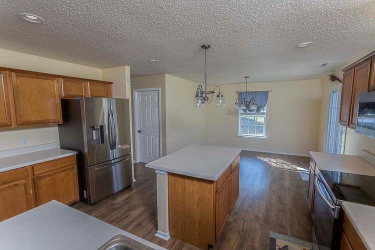 1954 Branchside Court Greenfield IN 46140 | MLS 21696025 | photo 15