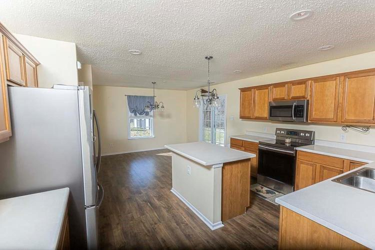 1954 Branchside Court Greenfield IN 46140 | MLS 21696025 | photo 2