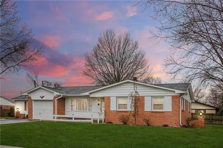 3005 Winchester Drive Indianapolis, IN 46227 | MLS 21696115 | photo 2
