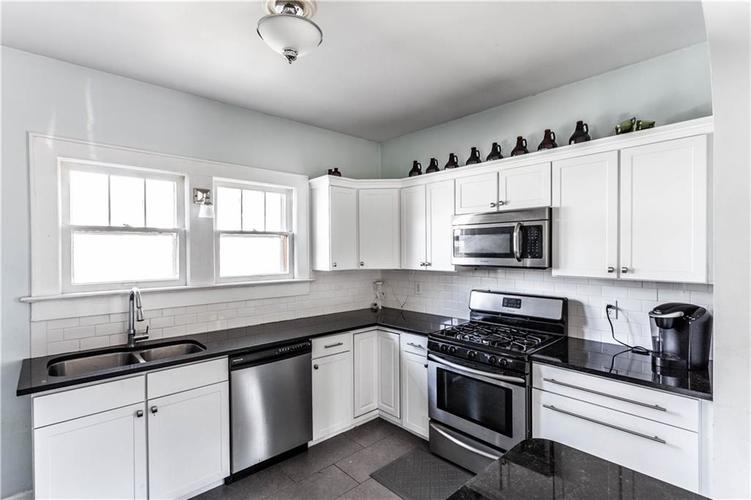 648 E 51st St Indianapolis IN 46205 | MLS 21696183 | photo 14