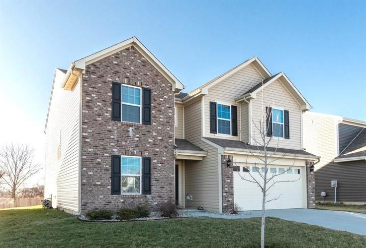 2462 Sungold Trail Greenwood, IN 46143 | MLS 21696326 | photo 1