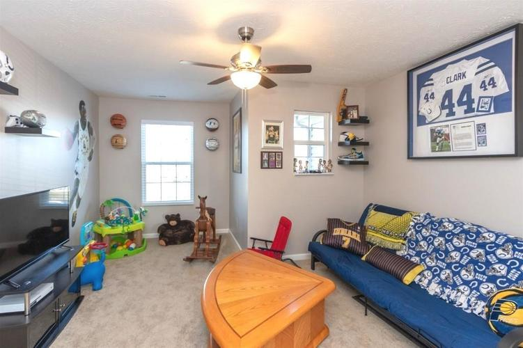 2462 Sungold Trail Greenwood, IN 46143 | MLS 21696326 | photo 14