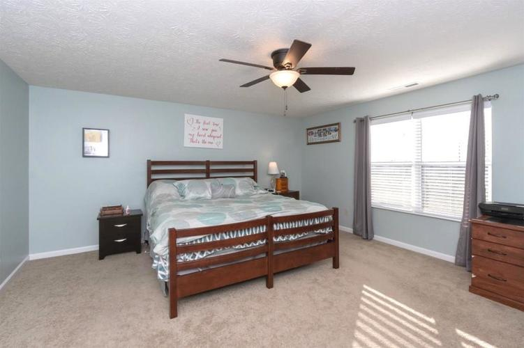 2462 Sungold Trail Greenwood, IN 46143 | MLS 21696326 | photo 16