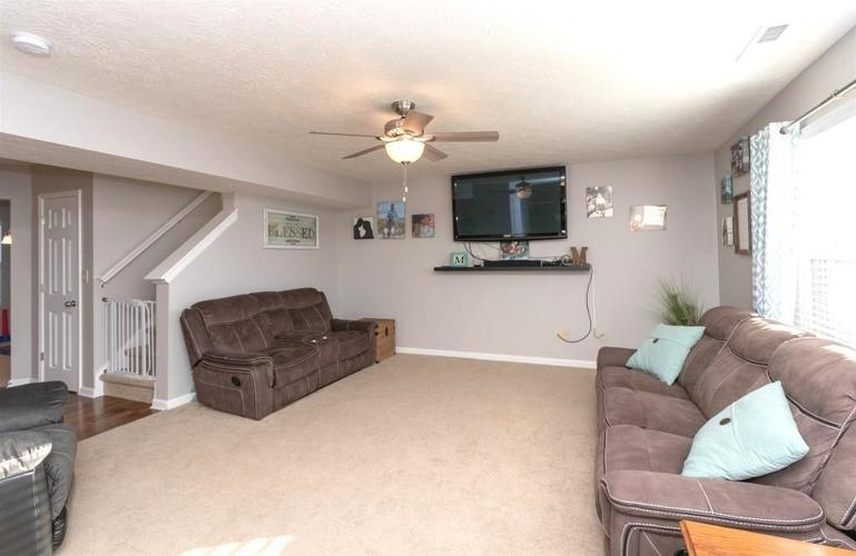 2462 Sungold Trail Greenwood, IN 46143 | MLS 21696326 | photo 5