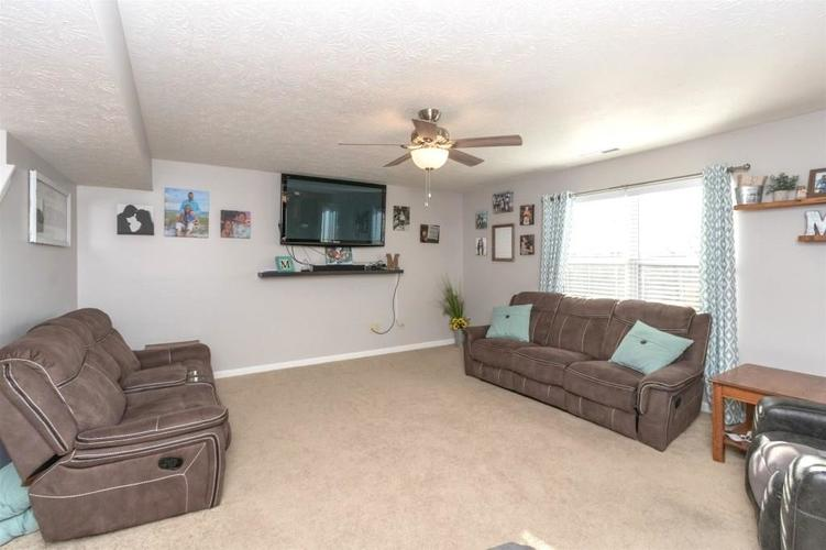 2462 Sungold Trail Greenwood, IN 46143 | MLS 21696326 | photo 6
