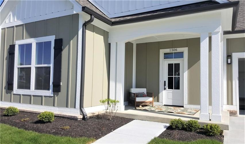 1506 Daylight Drive Indianapolis IN 46280 | MLS 21696340 | photo 1