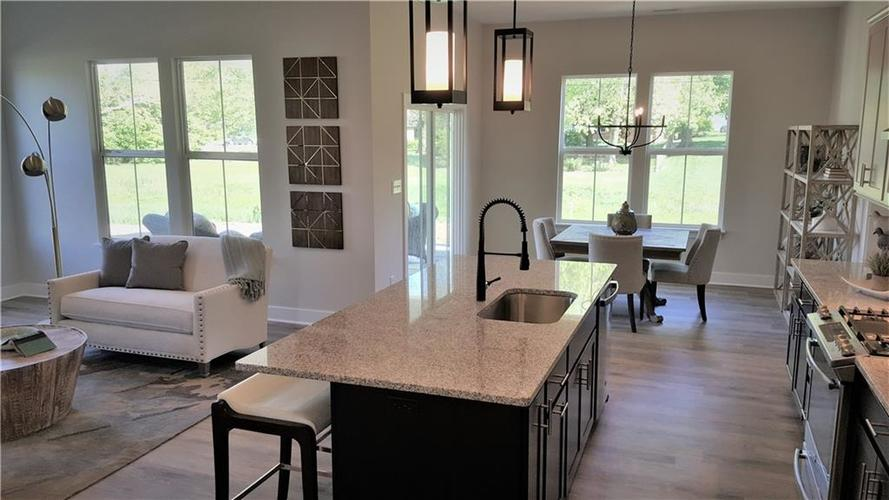 1506 Daylight Drive Indianapolis IN 46280 | MLS 21696340 | photo 11