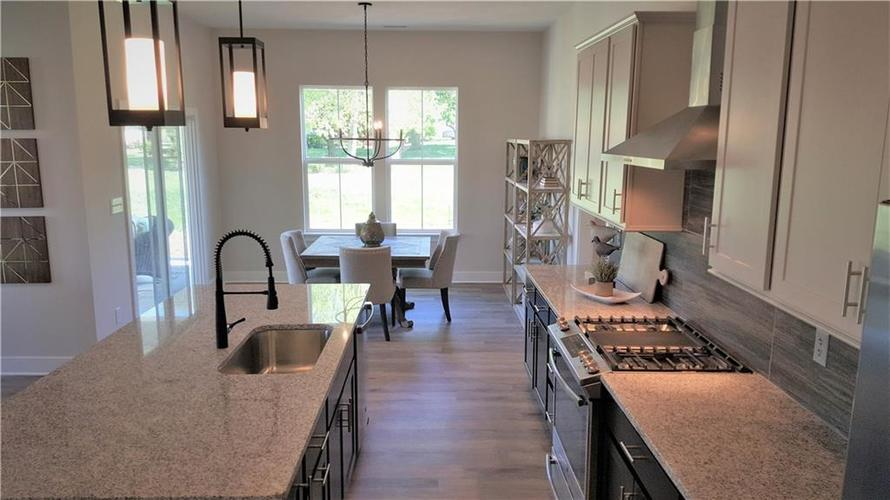 1506 Daylight Drive Indianapolis IN 46280 | MLS 21696340 | photo 12