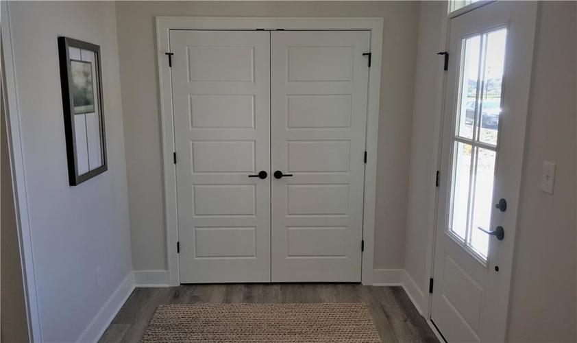 1506 Daylight Drive Indianapolis IN 46280 | MLS 21696340 | photo 19