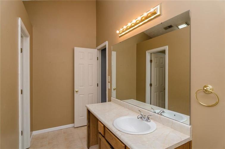 3685 Smallwood Lane East Indianapolis, IN 46214 | MLS 21696353 | photo 11