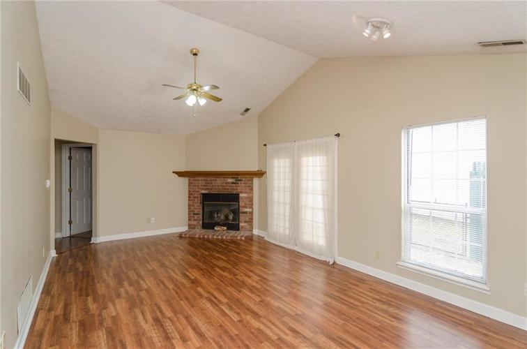 3685 Smallwood Lane East Indianapolis, IN 46214 | MLS 21696353 | photo 2