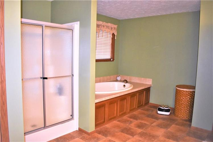 10870 Sunny Slope Drive Poland, IN 47868 | MLS 21696394 | photo 12