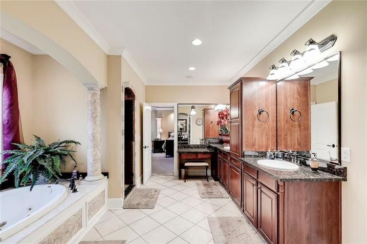 13407 Water Crest Drive Fishers, IN 46038 | MLS 21696423 | photo 22