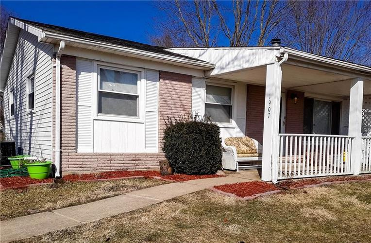 1907 E Wallace Road Kendallville IN 46755 | MLS 21696618 | photo 1