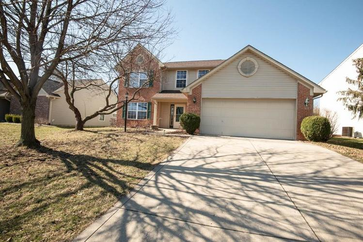 812 TROTTER Court Greenwood IN 46143   MLS 21696655   photo 1