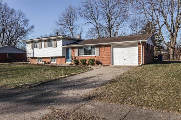 1638 Lutherwood Drive Indianapolis, IN 46219 | MLS 21696815 | photo 2