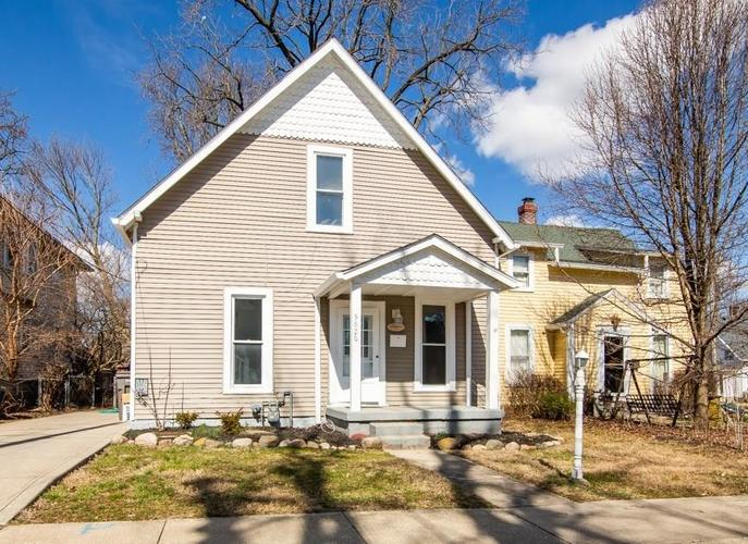 5626 LOWELL Avenue Indianapolis IN 46219 | MLS 21696831 | photo 1