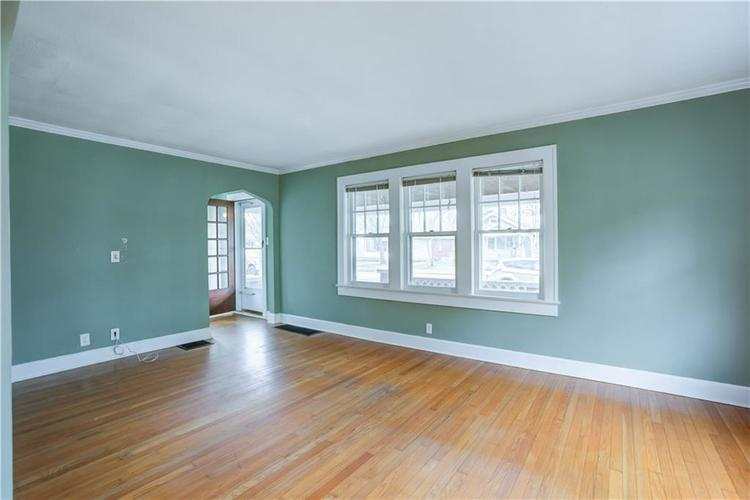 6125 Rosslyn Avenue Indianapolis, IN 46220 | MLS 21696835 | photo 4