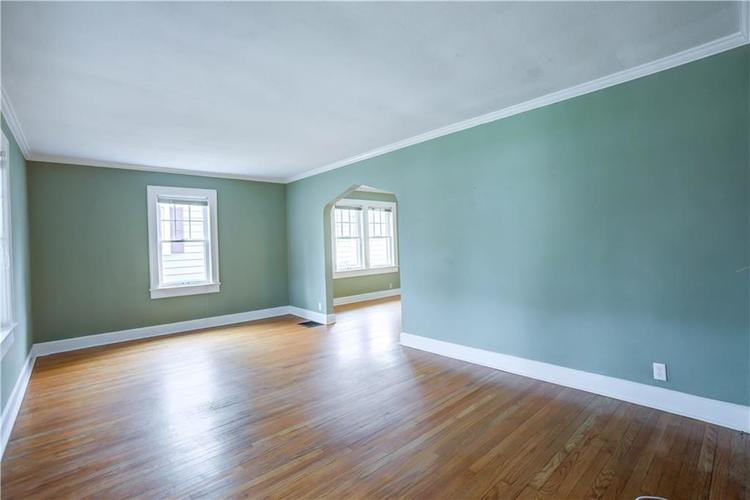 6125 Rosslyn Avenue Indianapolis, IN 46220 | MLS 21696835 | photo 5
