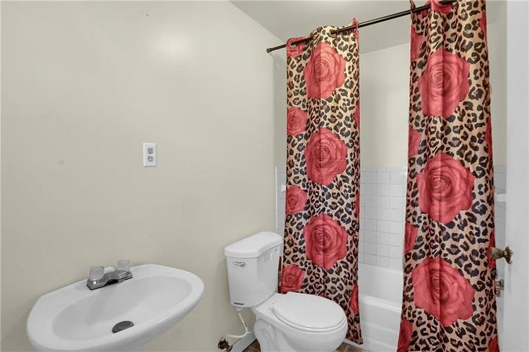 4334 E 39th Street Indianapolis IN 46226 | MLS 21696845 | photo 13