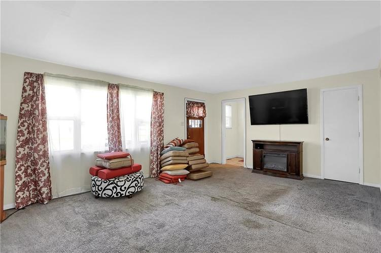 4334 E 39th Street Indianapolis IN 46226 | MLS 21696845 | photo 15