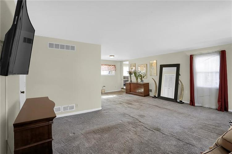 4334 E 39th Street Indianapolis IN 46226 | MLS 21696845 | photo 16