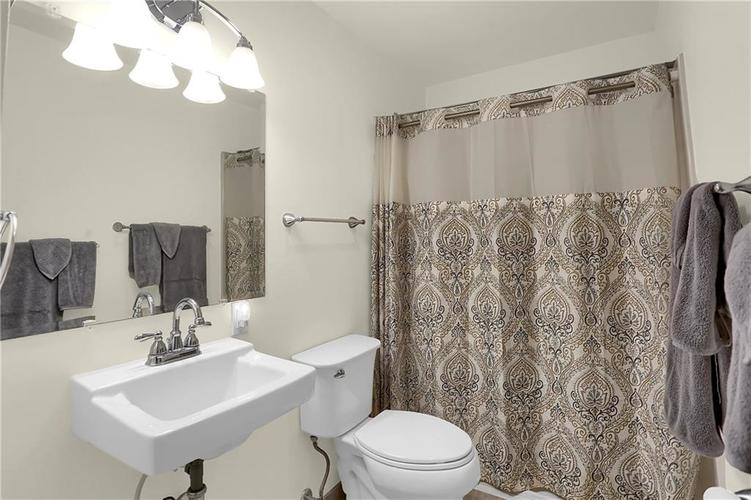 4334 E 39th Street Indianapolis IN 46226 | MLS 21696845 | photo 20