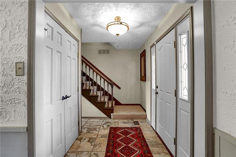 1045 Hoover Circle Indianapolis, IN 46260 | MLS 21696980 | photo 16