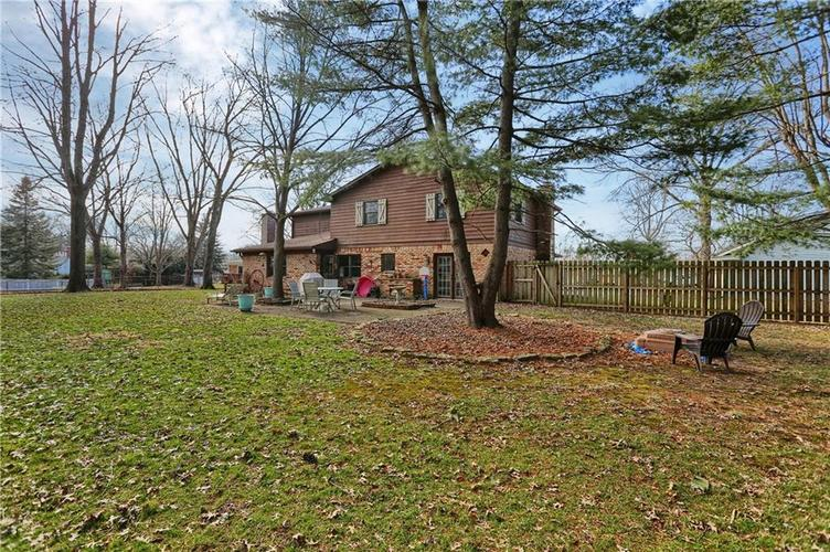 1045 Hoover Circle Indianapolis, IN 46260 | MLS 21696980 | photo 29