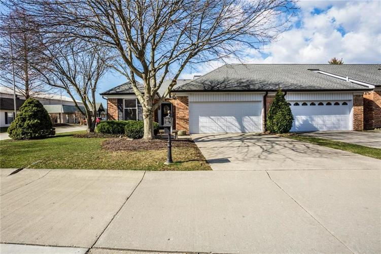 8528 Quail Hollow Road Indianapolis IN 46260 | MLS 21696991 | photo 1