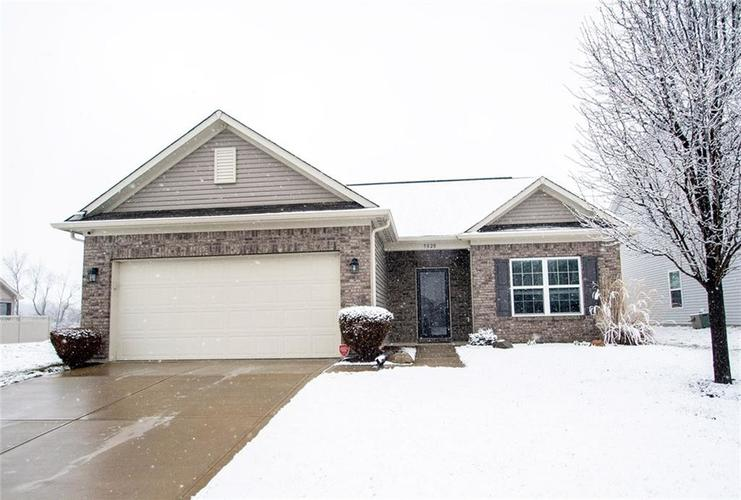 5820 Edelle Drive Indianapolis IN 46237 | MLS 21697251 | photo 1