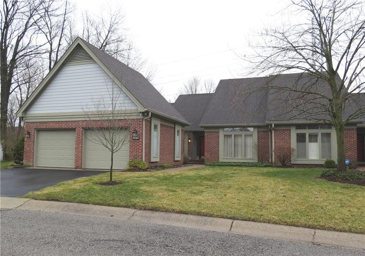 9263 SPRING FOREST Drive Indianapolis IN 46260 | MLS 21697284 | photo 1