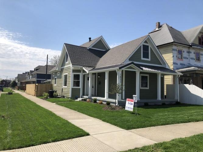 1831 Woodlawn Avenue Indianapolis IN 46203 | MLS 21697313 | photo 1