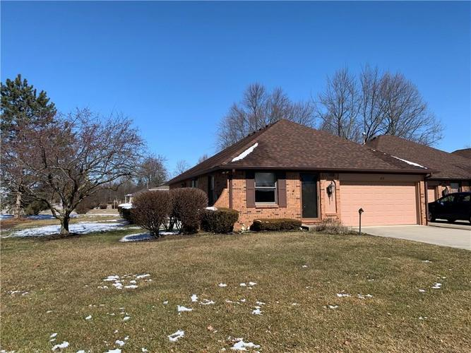 412 Eagle Crest Drive Brownsburg IN 46112   MLS 21697371   photo 1