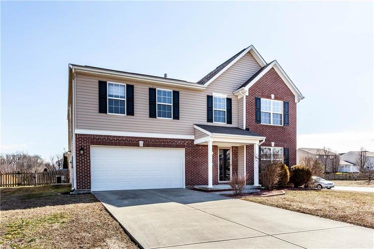 1281 Ivory Court Greenwood IN 46143   MLS 21697606   photo 1