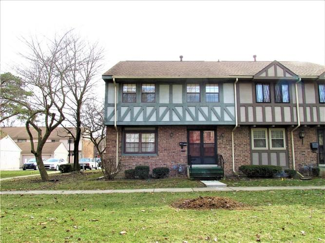 8112 E 20TH Street Indianapolis IN 46219 | MLS 21697645 | photo 1